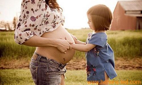 """全面放开""""二胎""""政策 LED显示屏伴新生儿成长"""