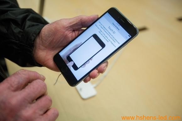 传iPhone 8将配微LED显示屏 像素更小更节能